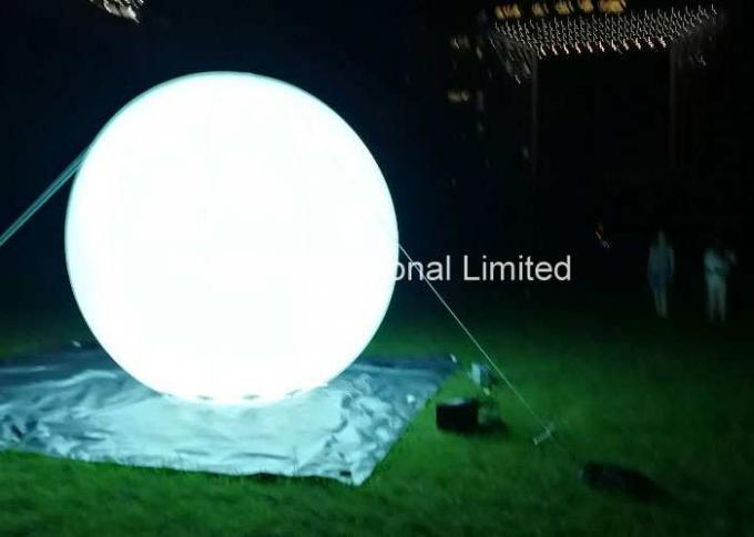 5M / 16.4ft Campaign Inflatable Light Balloon With Flag Logo For Sea Side Holiday Events